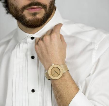 Analog Watch, el reloj de madera totalmente natural y reciclable