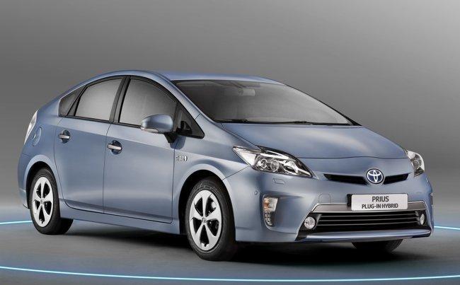 Toyota-Prius-Plug-in-11