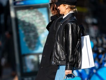 Un jersey de cuello alto básico es la clave del look más moderno y molón de Diane Kruger