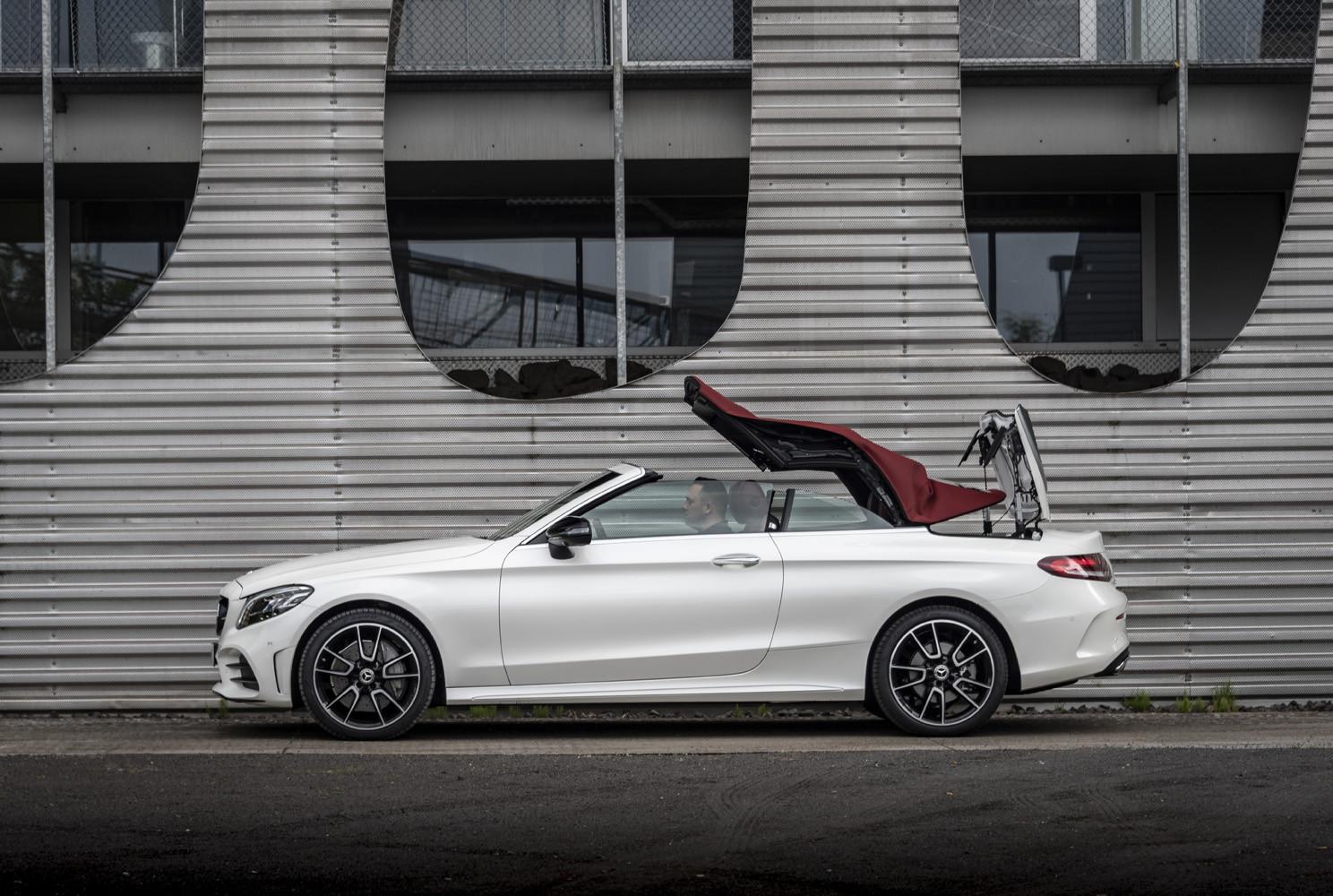 Foto de Mercedes-Benz Clase C 2018, toma de contacto (89/255)