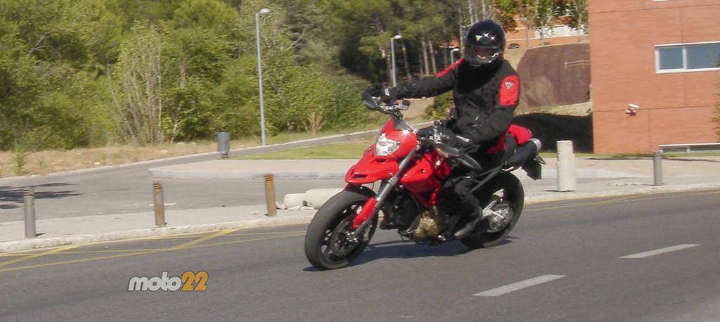 Foto de Prueba Ducati Hypermotard (12/13)