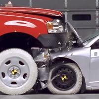 Es más probable que sobrevivas en un choque contra un SUV que contra una pick-up según el IIHS