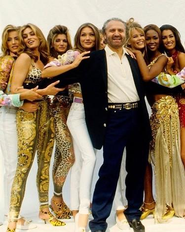 Las modelos de los 90 (y muchos otros) rinden homenaje a Gianni Versace en Instagram