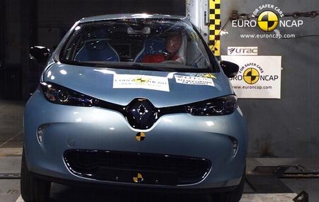 Renault ZOE choque lateral contra poste Euro NCAP 03 HR