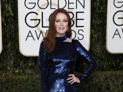 La siempre espectacular Julianne Moore se decanta por un elegantísimo Tom Ford en los Globos de Oro 2016
