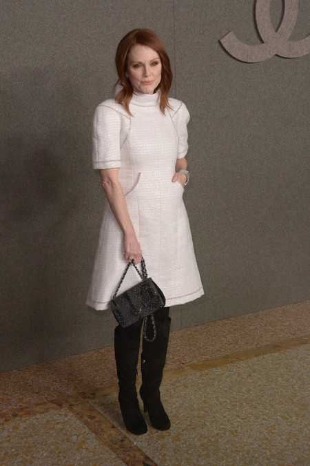 Julianne Moore frontrow chanel