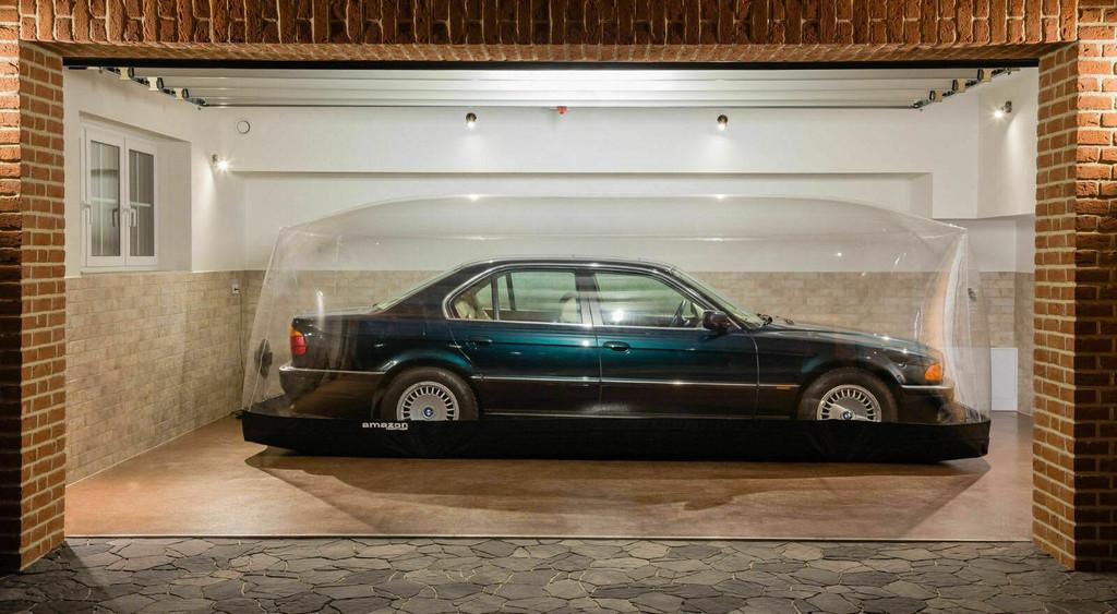 Alguien va a pagar más de 60.000 euros por un BMW 740i de 1997: tiene 255 km y lo han guardado en una cápsula del tiempo
