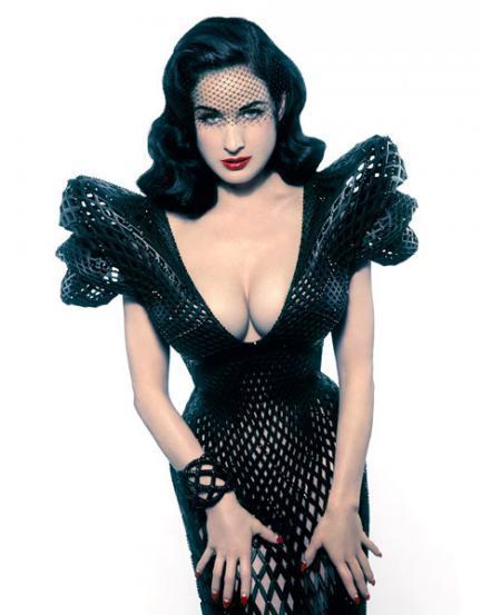 Vestido realizado con piezas fabircadas vía impresora 3D