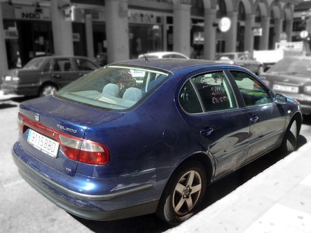 """Métodos anticrisis: compraventa en la calle y neumáticos de """"ocasión"""""""