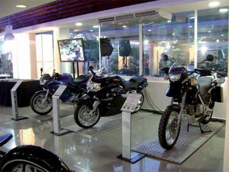 BMW Motorrad se desmarca y baja sus precios