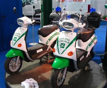La policía de Milán tiene 180 scooter eléctricos cogiendo polvo