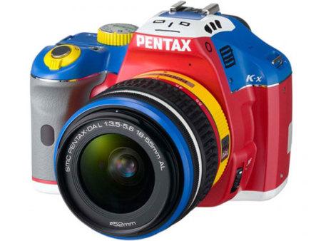 Pentax K-x inspirada en el robot japonés Kore Ja Nai