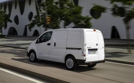nissan-env200-furgon-blanco