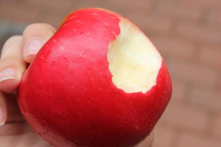 ¿Las verduras y frutas hacen que te pique la boca? Podrías tener síndrome de alergia oral