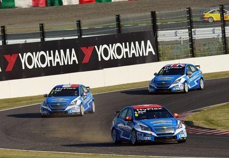 Alain Menu y Stefano d'Aste se reparten los triunfos en Suzuka