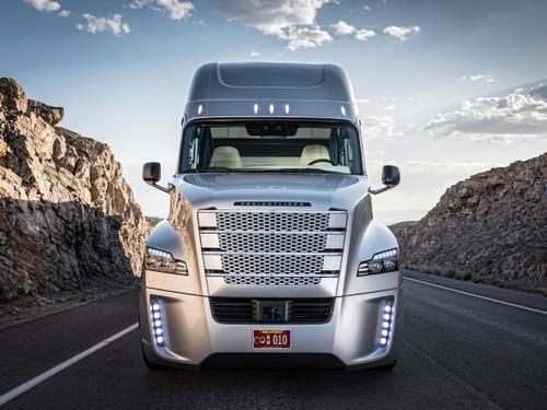 Así es el primer camión autónomo con licencia para circular: Freightliner Inspiration Truck