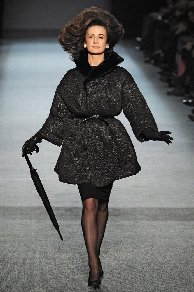 Foto de Jean Paul Gaultier Otoño-Invierno 2011/2012 en la Semana de la Moda de París: el lado sexy del estilo ladylike (19/27)