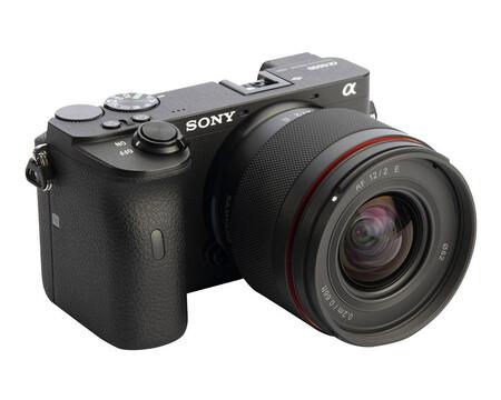 Samyang 12mm F2 E: un nuevo objetivo diseñado para astrofotografía para sistemas APS-C de Sony