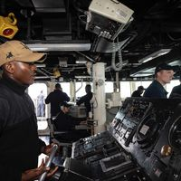 La Armada de los EE.UU. no se fía de las pantallas táctiles: las reemplazarán por botones y diales de toda la vida