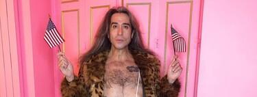 ¡A lo Borat! Mario Vaquerizo limpia el polvo desnudo con un tanga 'maskini' rosa fucsia