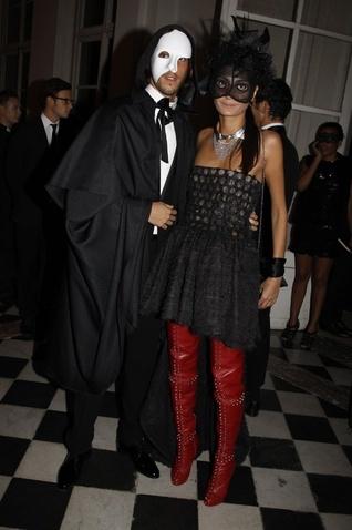 Fiesta de máscaras 90 aniversario Vogue París