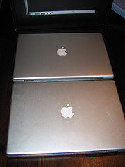 "BareFeats.com: Comparativa ""MacBook Pro Core Duo vs. MacBook Pro Core 2 Duo"""