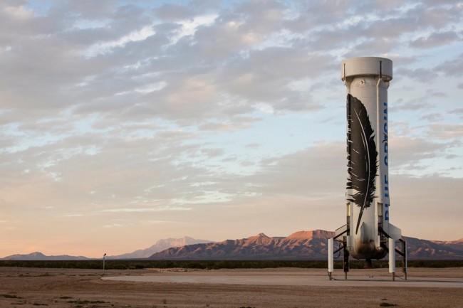Ya funciona el primer cohete reutilizable de la historia, y su creador es el dueño de Amazon