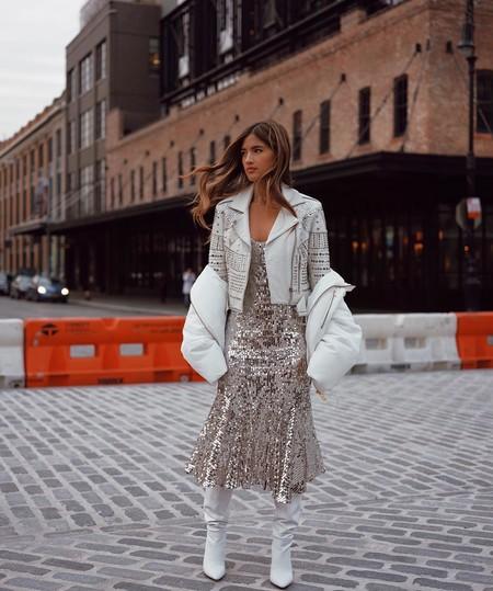 Invitada perfecta: 17 chaquetas de todos los estilos para culminar tus vestidos largos de boda este otoño