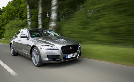 Jaguar XF Mj18 26