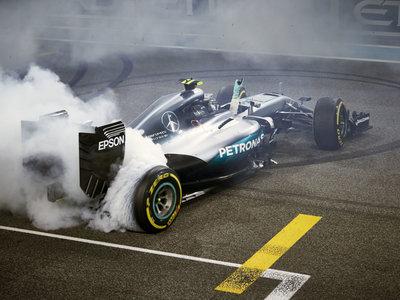 Mercedes podría tener ya piloto y no, no es Fernando Alonso