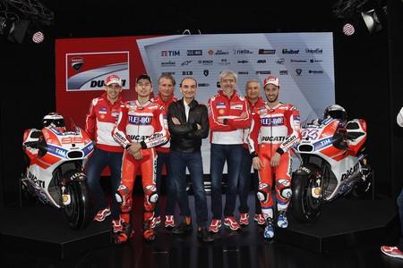 Jorge Lorenzo vestido de rojo es lo único destacable en la presentación del equipo Ducati de MotoGP