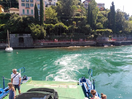 Ferry en Varenna