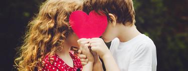 Besos en la boca entre los niños, ¿es normal?