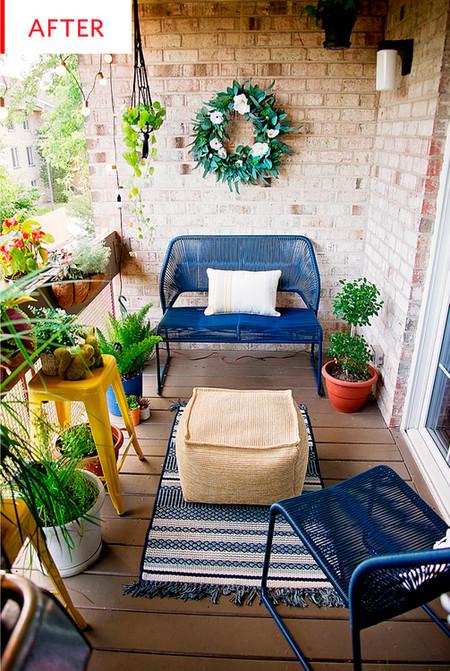 ¡Atención a la increíble transformación de este balcón! De soso y alargado a un pequeño oasis en la ciudad