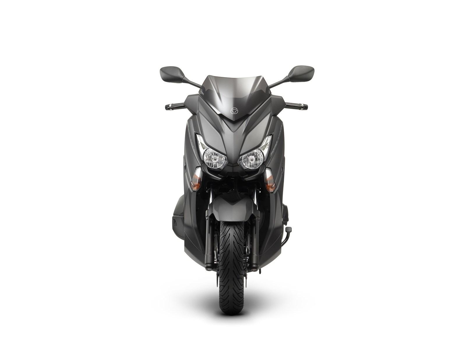 Foto de Yamaha X-MAX 400 MOMODESIGN, estudio y detalles (6/33)