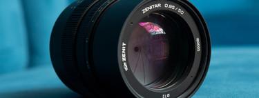 """Zenitar 50mm ƒ0,95 MF, una óptica manual de luminosidad extrema con sello """"Made in Russia"""" para cámaras Sony full frame"""
