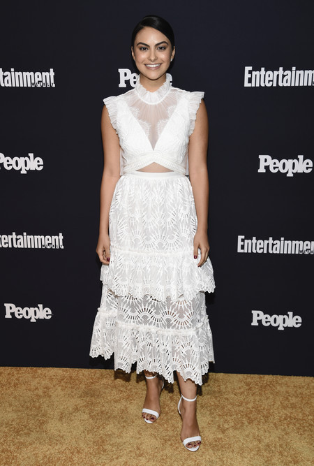 people entertainment weekly fiesta look estilismo outfit Camila Mendes