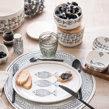 Maisons du Monde nos propone un menaje fresco y alegre para conseguir la mesa perfecta