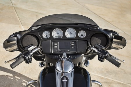 Harley Davidson Street Glide 2018 014