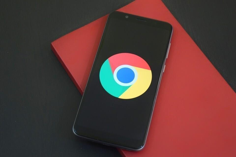 Cómo accionar el mas reciente esquema de la búsqueda por voz  en Chrome para Android