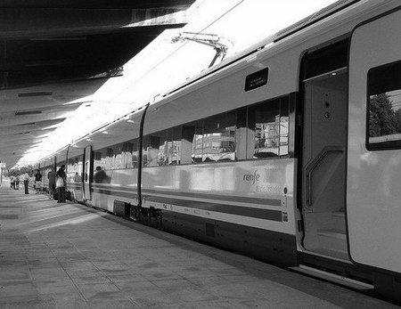 Fomento debe liberalizar los transportes ferroviarios dentro de la reforma de Renfe