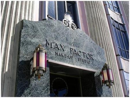 Max Factor para sus ventas en Estados Unidos