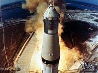 Un millonario encuentra los motores de la primera nave que se posó en la Luna en el fondo del Atlántico