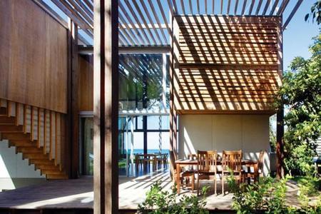 Cinco hermosas soluciones para proteger tu terraza del sol - Cubrir terraza barato ...
