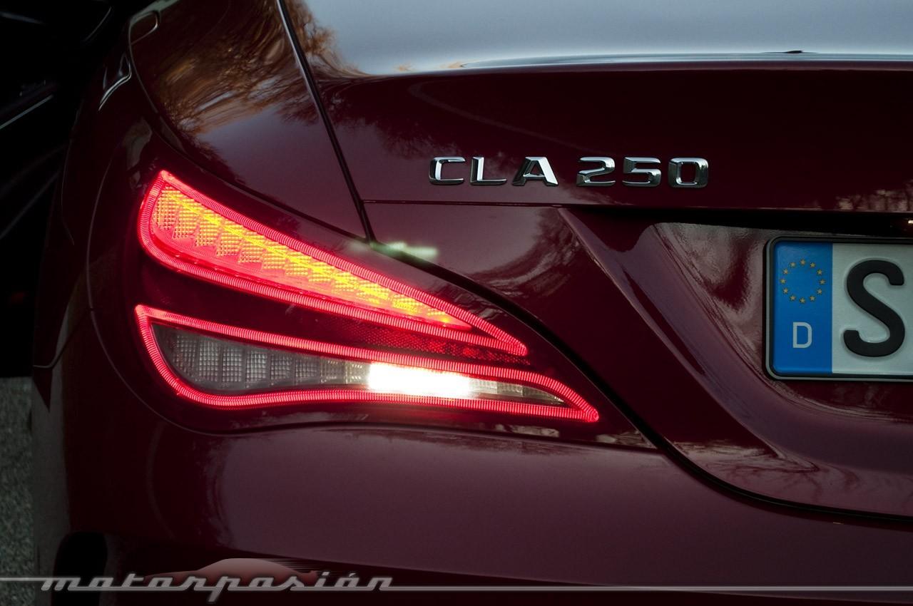 Foto de Mercedes-Benz Clase CLA (presentación) (11/40)