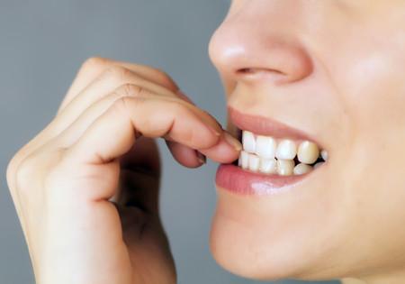 Por qué nos mordemos las uñas y qué podemos hacer para evitarlo