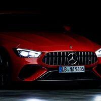¡Está cerca! El Mercedes-AMG GT 4 Puertas Coupé híbrido enchufable llega el 1 de septiembre, y esta es su primera imagen