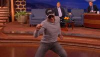Jean-Claude Van Damme repite su mítico baile de 'Kickboxer', la imagen de la semana