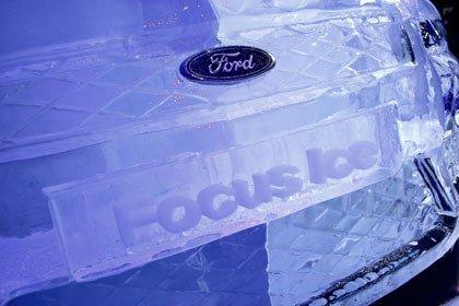 Ford Focus Coupé Cabriolet Ice Sculpture