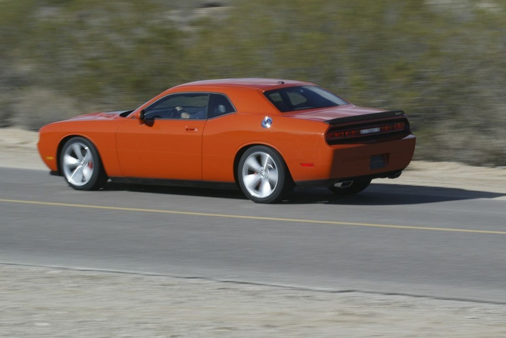 Foto de Dodge Challenger SRT8 (19/103)